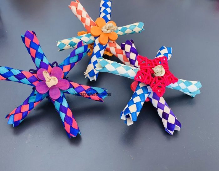 multi colourful flower bamboo trap